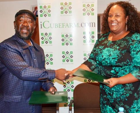 Firma de memorándum en la Cámara de Comercio de Bioko