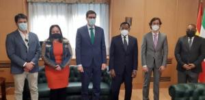 Encuentro entre el Embajador de Guinea Ecuatorial y los representantes de Iberia